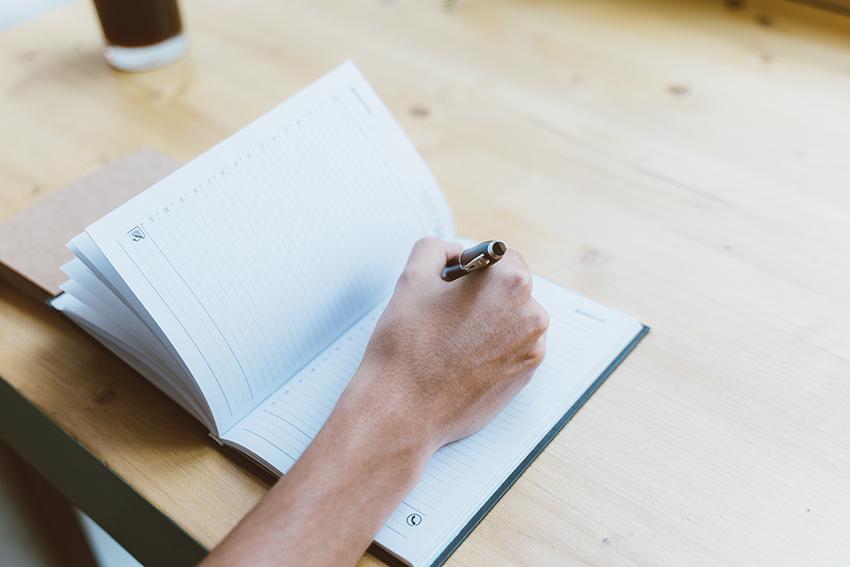 digital-vs-handwritten